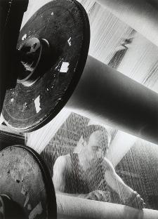 Willy Ronis, Usine de textile du Haut-Rhin, 1947