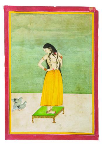 Jeune femme sur une table basse observant les ébats d'un couple de pigeons Jaipur (?), Rajasthan C. XIXe siècle Aquarelle sur papier 7,5 x 10,5 cm Collection privée, Bangalore / © Photo: Pinacothèque de Paris