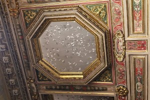 A la Villa Médicis, le plafond de la chambre des Amours du Cardinal Ferdinand de Médicis par Claudio Parmiggiani - 2015