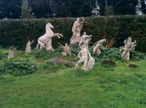 Dans les jardins de la Villa Médicis, le mythe de Niobé selon Balthus